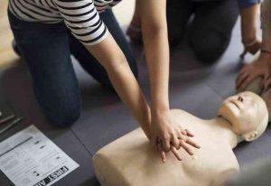 La Fundación Novaterra forma en primeros auxilios a sus usuarios/as