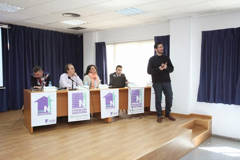 Medio centenar de organizaciones valencianas acuden a la inauguración del Espai Novaterra