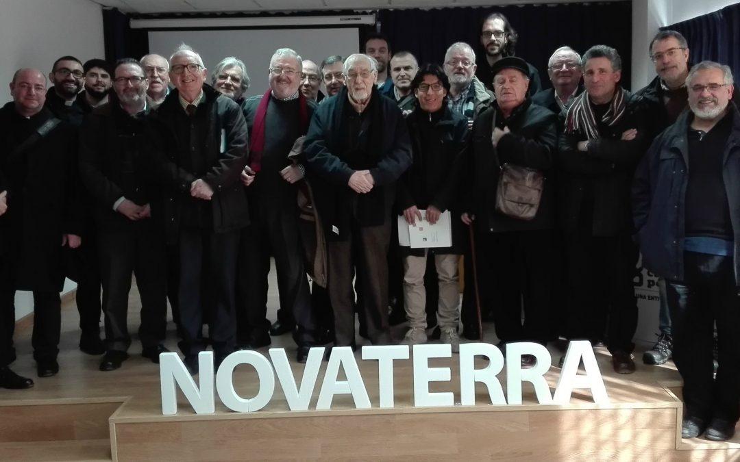 La Fundación Novaterra congrega a una veintena de párrocos para hacer frente común a la pobreza en Valencia