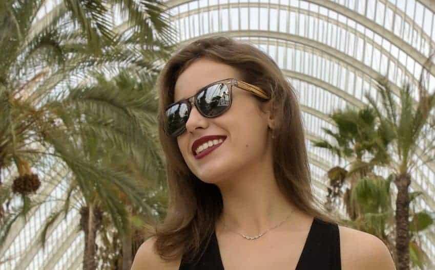 Malvarrosa Sunglasses entrega su primer cheque solidario a Fundación Novaterra
