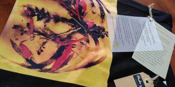 Una camiseta Solidaria de Maka y Olé, emprendedora de Dona Emprèn, en beneficio de Novaterra